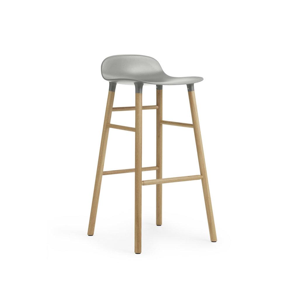 Барный стул Form с ножками из дуба 75 см, серый Normann Copenhagen