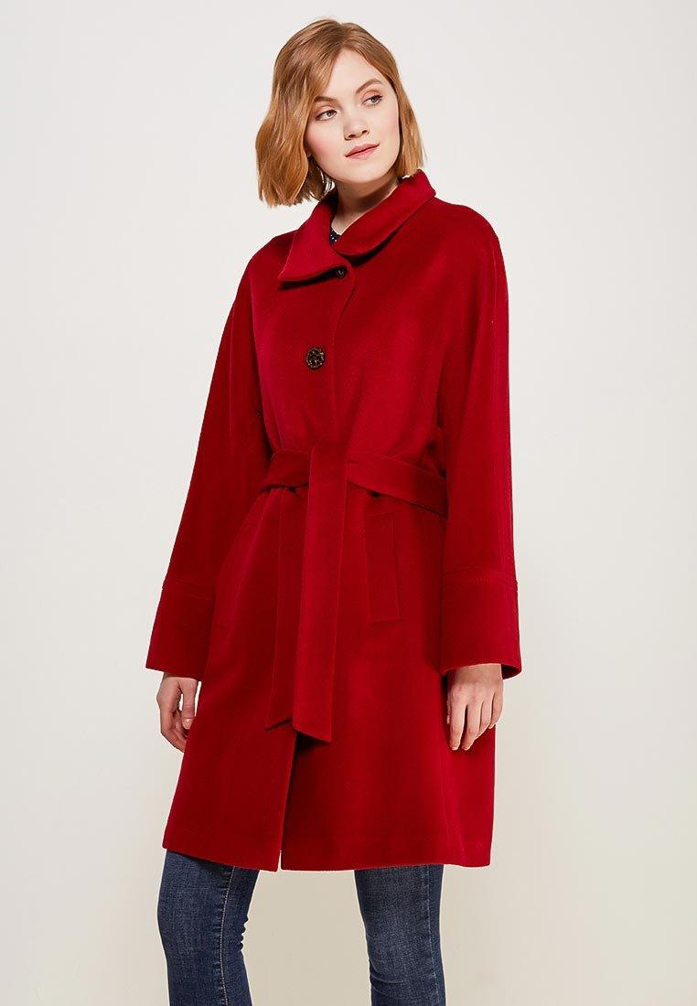98ac07e54c0 Пальто Doroteya выполнено из мягкого шерстяного драпа. Модель свободного  кроя дополнена поясом в тон. Детали  воротник-стойка