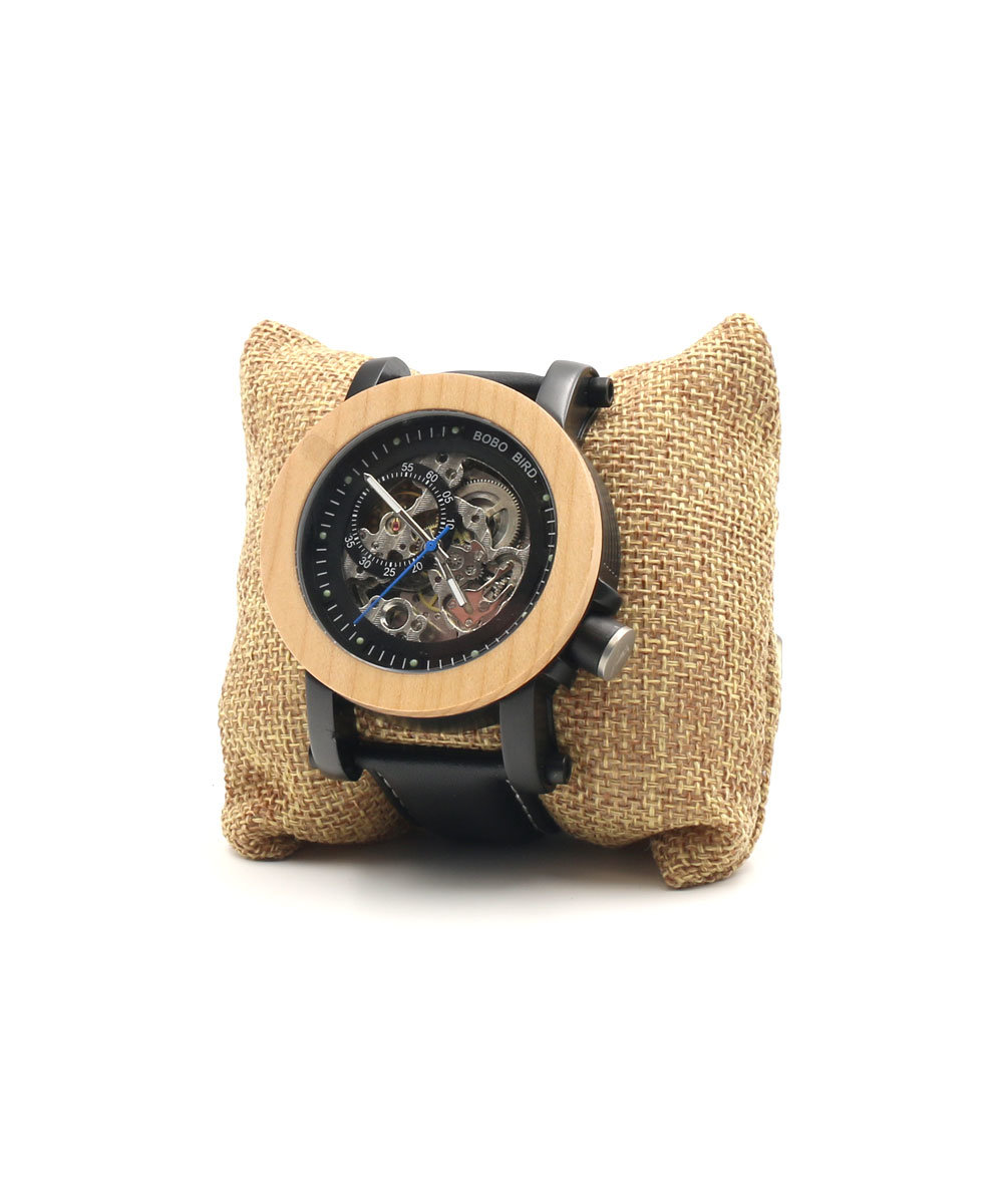 Мы рекомендуем купить деревянные наручные часы всем, кто предпочитает надежные, стильные, долговечные аксессуары.