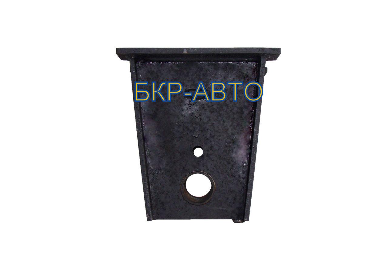 Кронштейн подвески реактивной штанги чмзап 314-2918011-10