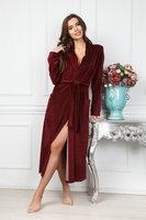 Велюровый женский удлиненный халат янтарного цвета
