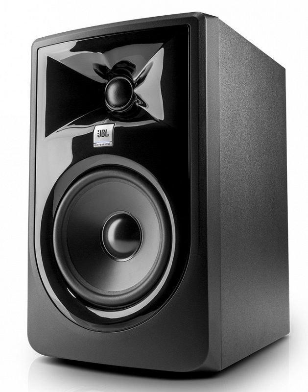 JBL 305P MKII 2-х полосн. активн. студийный монитор 5` с магнитным экраном, 43 Гц-24 кГц, 41 Вт НЧ + 41 Вт ВЧ RMS, балансный XLR