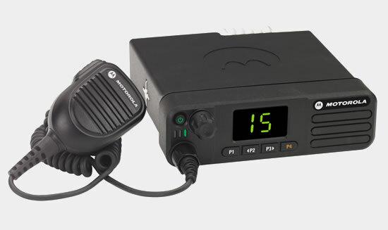 Радиостанции автомобильные и базовые цифровые Motorola DM4401