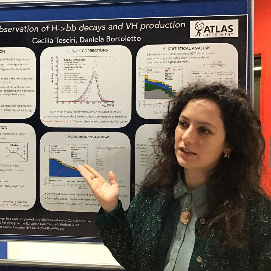 Анализ данных в экспериментах ЦЕРНа и применение нейробайесовских методов для распознавания опухолей