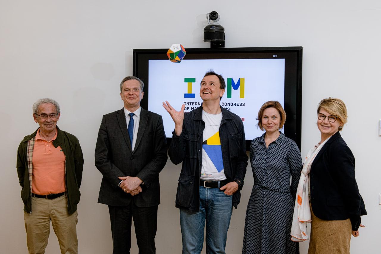 Eitvydas Bajarūnas and the members of ICM Press Office