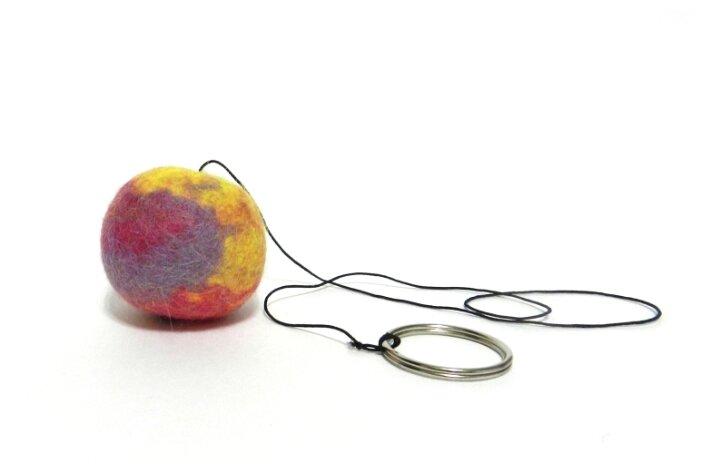 Мячик LIVEZOO Wool мультиколор на резинке 4 см