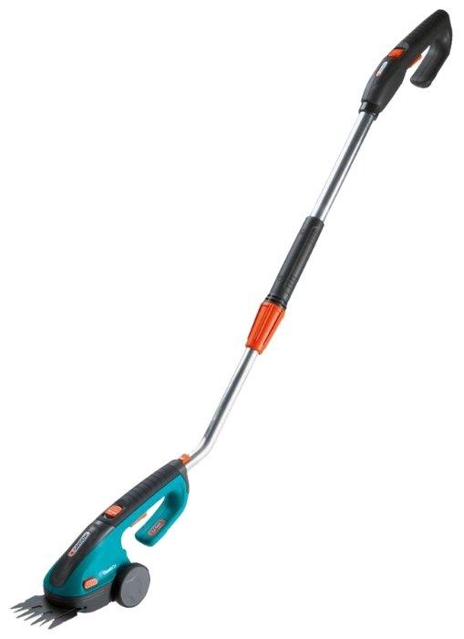 Ножницы аккумуляторные GARDENA для газонов ClassicCut с телескопической рукояткой (8890-20)