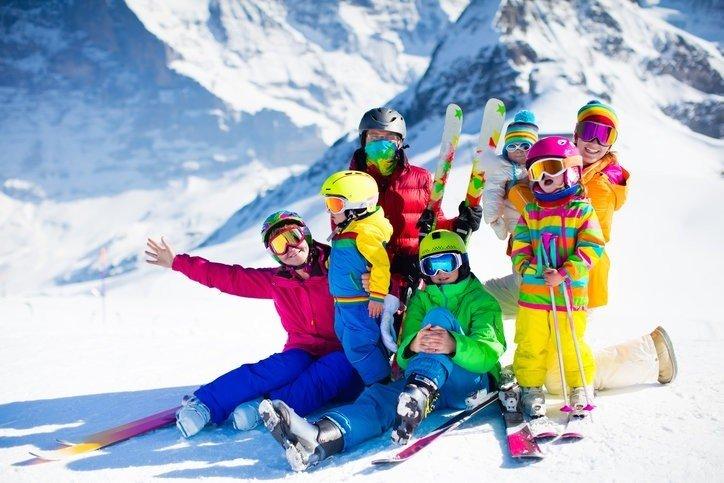 Детская горнолыжная защита принципиально не отличается от защиты для  взрослых, кроме как размерами. При ее изготовлении используются те же  технологические и ... fe78b6a45ce