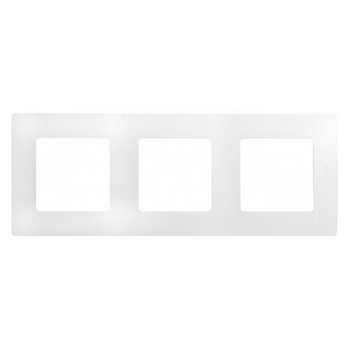 Рамка 3п Legrand Etika 672503, белыйРозетки, выключатели и рамки<br>