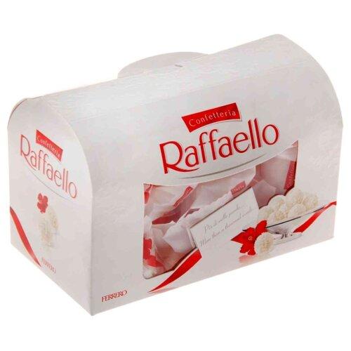 Набор конфет Raffaello с цельным миндальным орехом в кокосовой обсыпке, 240г merci набор конфет ассорти из шоколада с миндалем 250 г