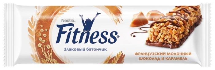 Злаковый батончик Nestle Fitness Французский молочный шоколад и карамель, 23.5 г