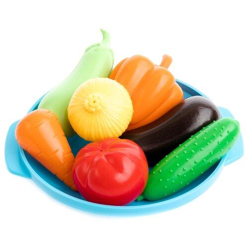 Набор продуктов с посудой Пластмастер В огороде 21064 разноцветный