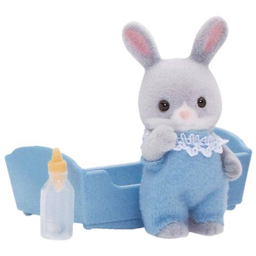 Купить Игровой набор Sylvanian Families Малыш Серый Кролик 3405/5064, Игровые наборы и фигурки