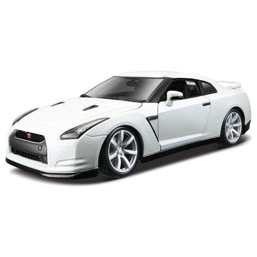 Купить Легковой автомобиль Bburago Nissan GT-R (18-12079) 1:18 24 см белый, Машинки и техника