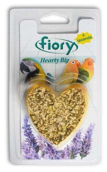 Лакомство для птиц Fiory Hearty Big в форме сердца с лавандой