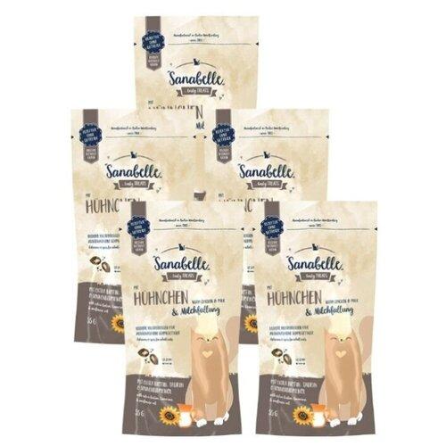 Фото - Лакомство для кошек с курицей и молоком, подушечки, Sanabelle, упаковка 5 шт х 55 г sanabelle sanabelle snack полувлажное лакомство для кошек для улучшения пищеварения с сайдой и инжиром 55 г