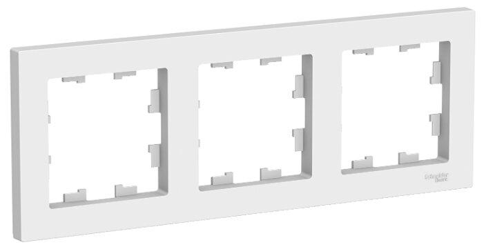 Рамка AtlasDesign белый 3-ая, универсальная ATN000103