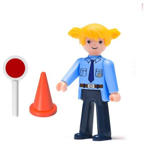 Фигурка Efko Полицейская с аксессуарами 30219EF-CH efko игровая фигурка efko пожарный 8 см с аксессуарами