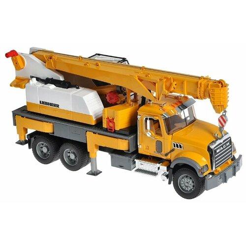 Автокран Bruder Mack (02-818) 1:16 66 см желтый/белый bruder roadmax 20 050