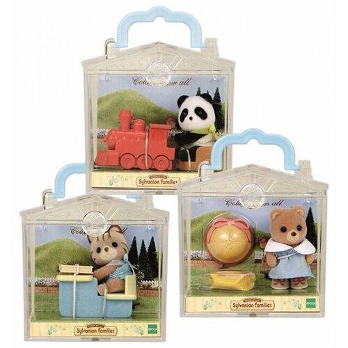 Купить Игровой набор Sylvanian Families Младенец в сундучке 3350/4391B, Игровые наборы и фигурки