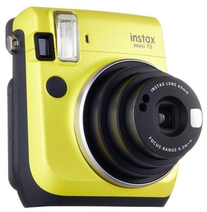 магазине фотокамеры с мгновенной печатью может вот