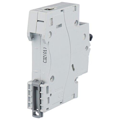 Автоматический выключатель Legrand RX3 1P (C) 4,5kA 32 А автомат legrand rx3 419669 1p 50 а тип c 4 5 ка 230 в на din рейку