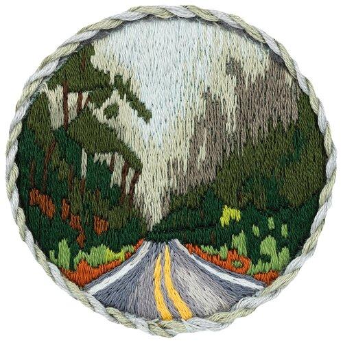 Купить PANNA Набор для вышивания Брошь. Дорога в лесу 5.5 х 5.5 см (JK-2186), Наборы для вышивания