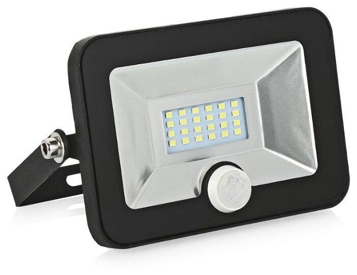 Прожектор светодиодный с датчиком движения 10 Вт LLT СДО-5Д-10 (6500К 750Лм)