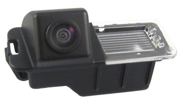 Камера заднего вида Intro VDC-046