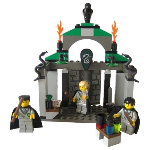 Конструктор LEGO Harry Potter 4735 Слизерин Конструкторы