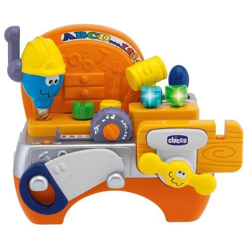 цена на Интерактивная развивающая игрушка Chicco Плотник оранжевый