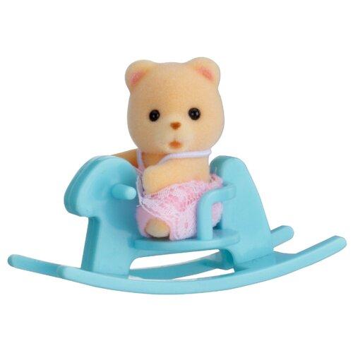 Купить Игровой набор Sylvanian Families Младенец в сундучке 5199, Игровые наборы и фигурки