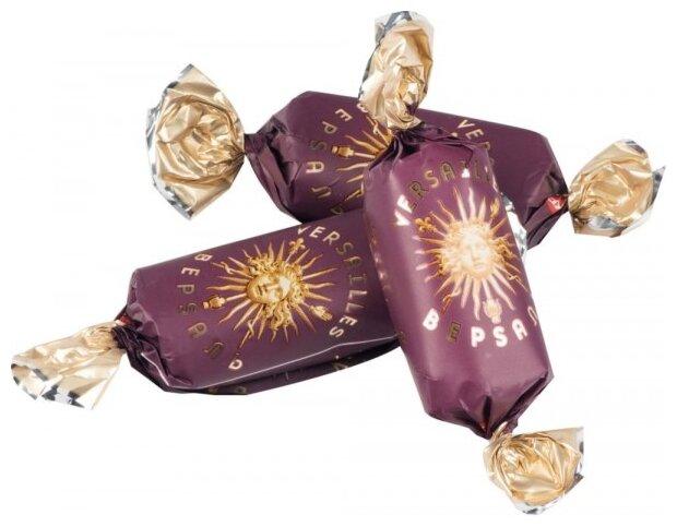 Поздравление с днем рождения из шоколадок и конфет мама