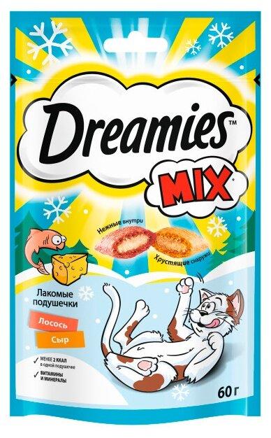 Лакомство для кошек Dreamies Подушечки Mix с лососем и сыром