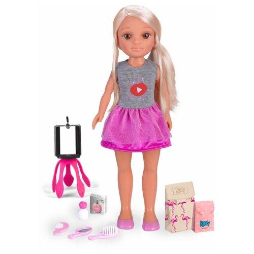 Кукла Нэнси блогерша