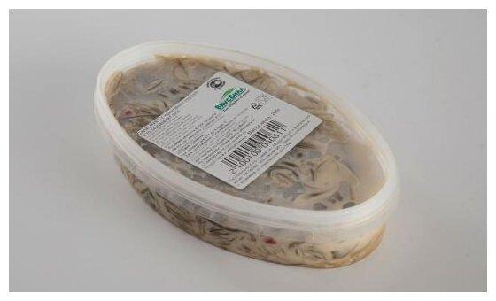 ВкусВилл салат Чука с ореховым соусом