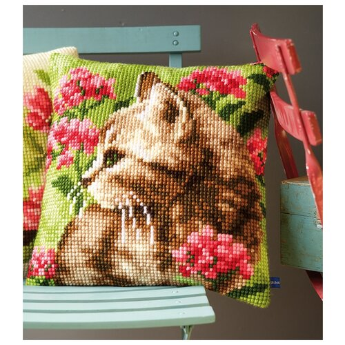Купить Подушка Кошка в цветах набор для вышивания 40 х 40 см PN-0155961, Vervaco, Наборы для вышивания