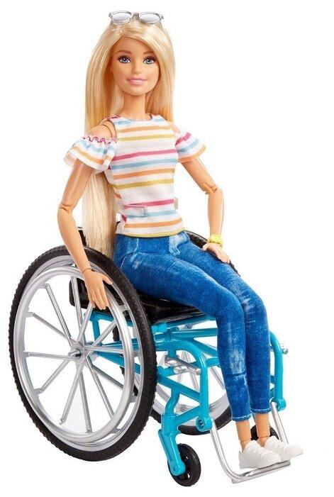Кукла Barbie Fashionistas в инвалидной коляске, GGL22