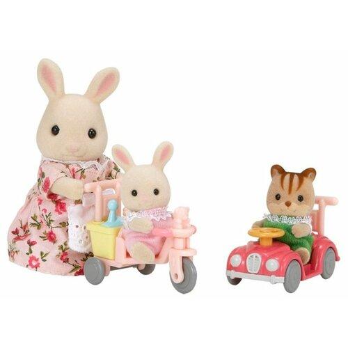 Купить Игровой набор Sylvanian Families Детская прогулка 3567/5040, Игровые наборы и фигурки