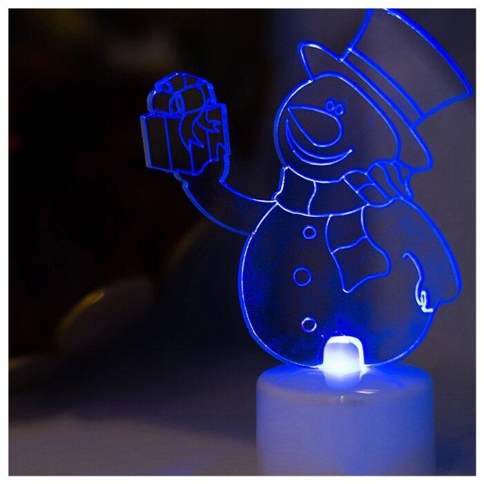Фигурка NEON-NIGHT Снеговик с подарком 2D 10 см