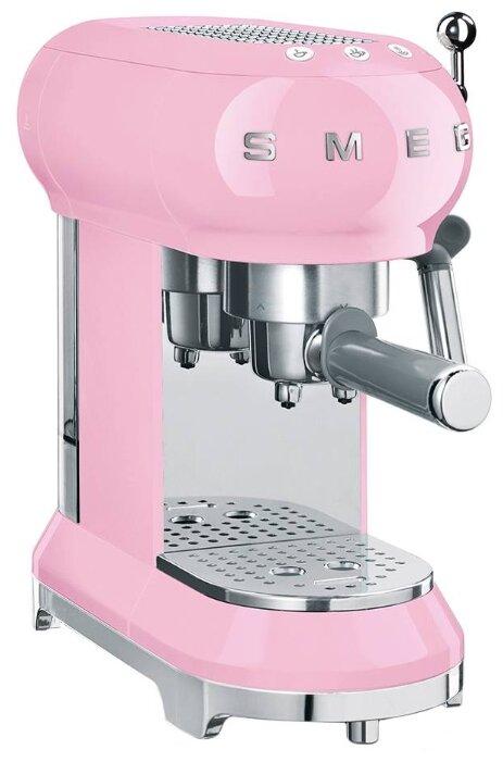 Купить Кофеварка рожковая smeg ECF01 розовый по низкой цене с доставкой из Яндекс.Маркета