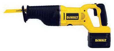 Пила DeWALT DW008K