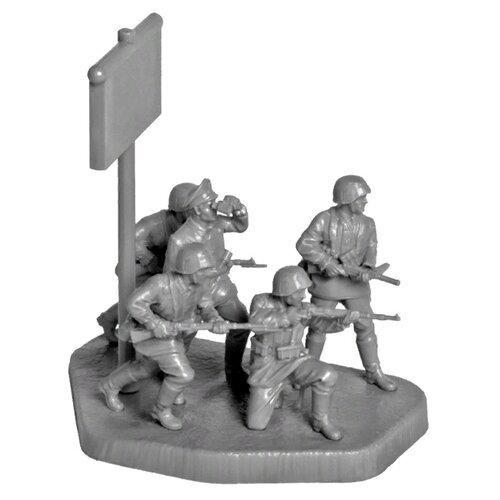 Фото - Сборная модель ZVEZDA Немецкая элитная пехота 1941-1943 (6180) 1:72 сборная модель zvezda немецкая пехота в зимней форме 1941 1945 6198 1 72
