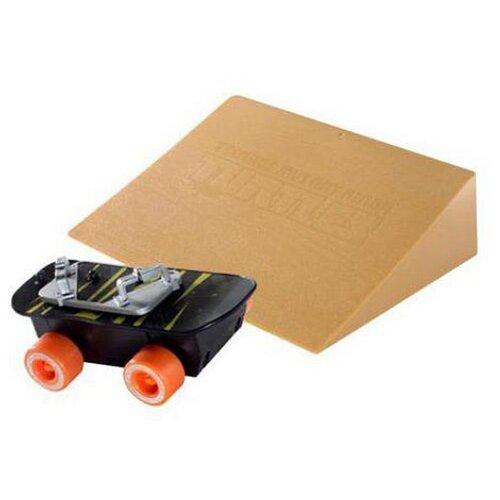 Купить Игровой набор Playmates TOYS TMNT Скейтборд 94051, Игровые наборы и фигурки