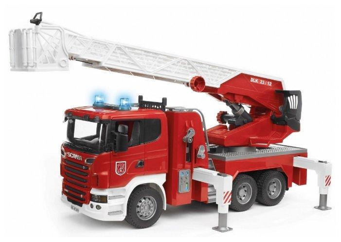 Пожарный автомобиль Bruder Scania (03-590) 1:16 59 см