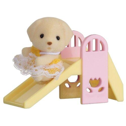 Купить Игровой набор Sylvanian Families Младенец в сундучке 5204, Игровые наборы и фигурки