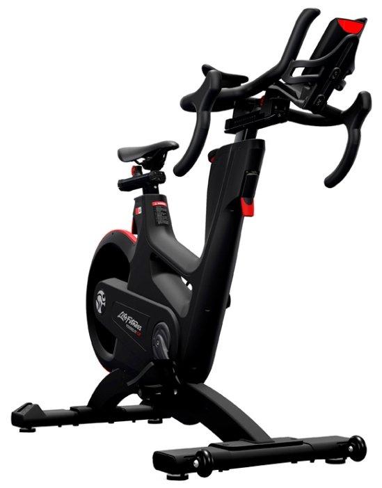Вертикальный велотренажер Life Fitness IC8