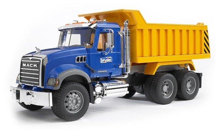Грузовик Bruder Mack Granite Truck (02-815) 1:16 53 см