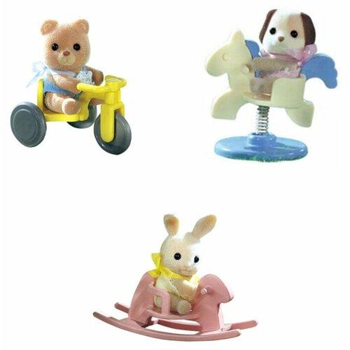 Купить Игровой набор Sylvanian Families Младенец в сундучке 3340/4391A, Игровые наборы и фигурки