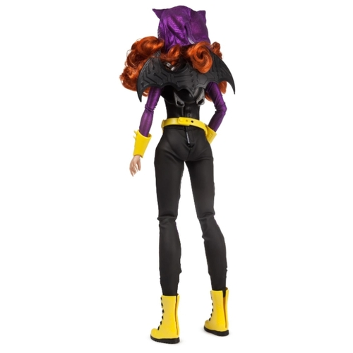 Кукла Mattel DC Superhero Girls Batgirl в движении, 46 см, 64647